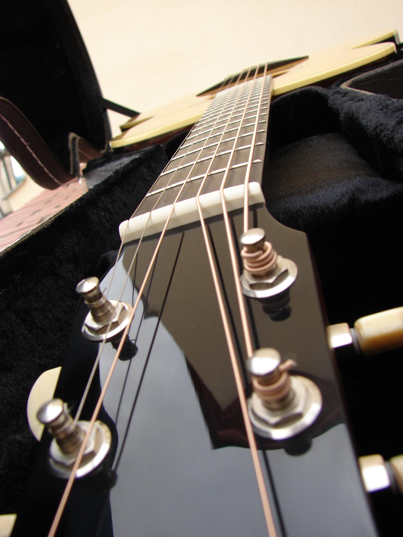 Moderne GitarreDSC00146